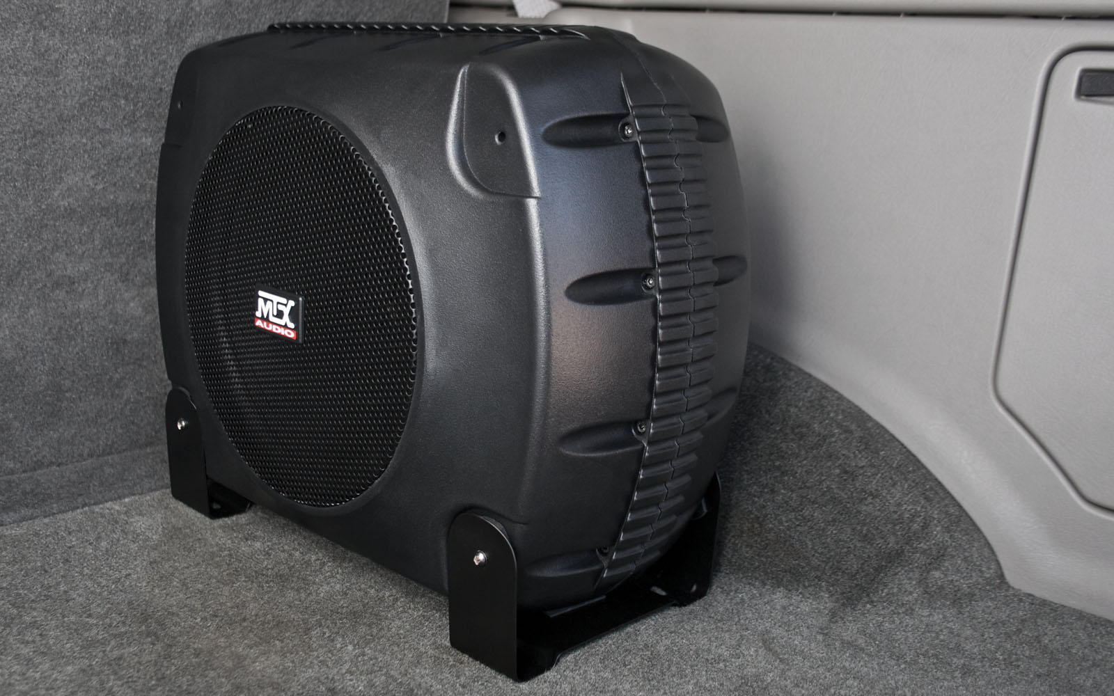 Battery powered subwoofer