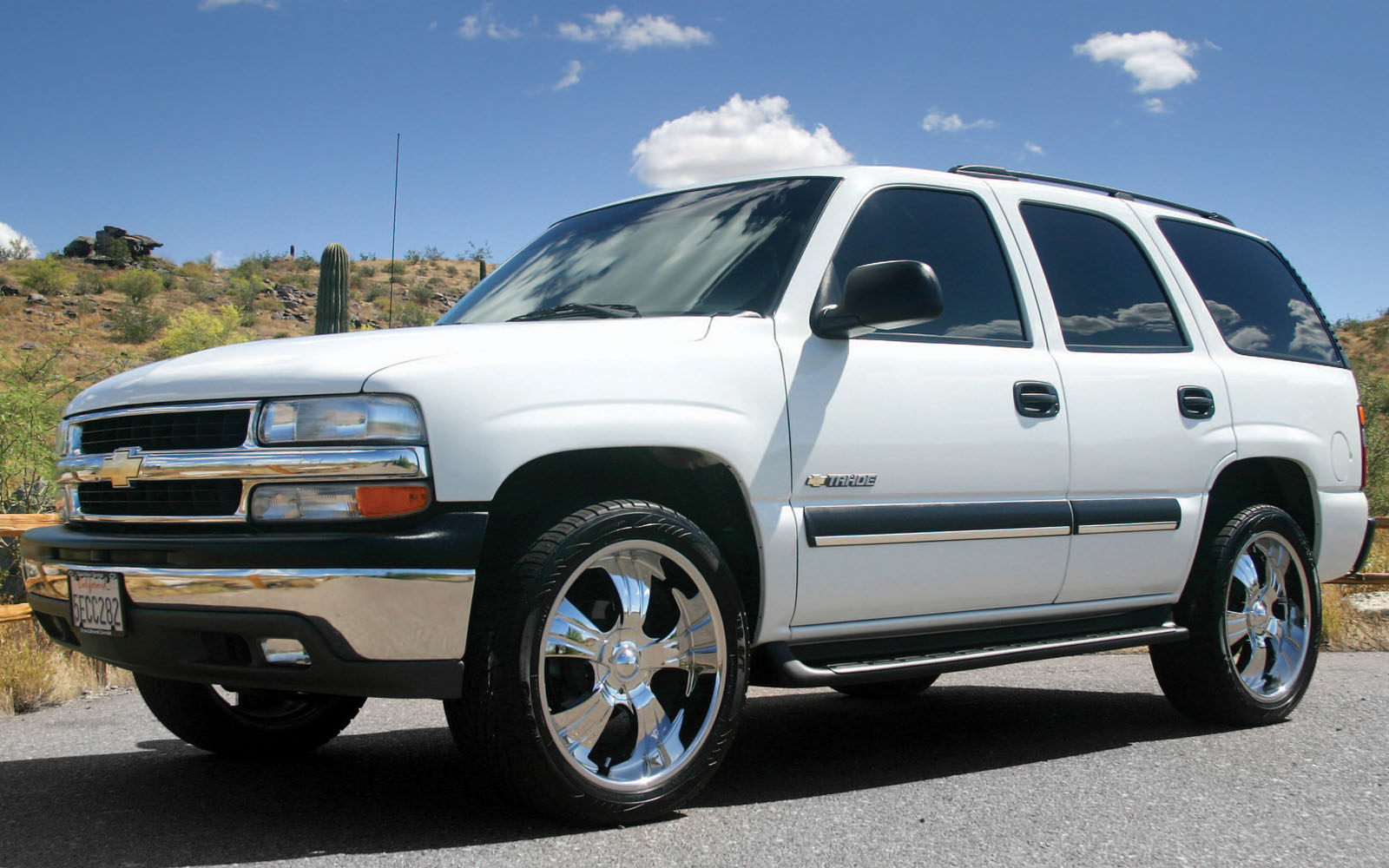 Chevrolet Tahoe 2001 2006 Thunderform Custom Subwoofer