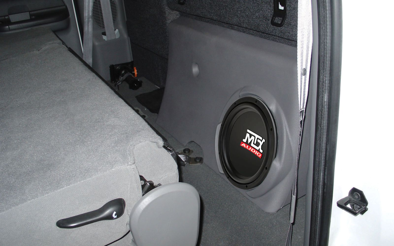 MTX Thunderform Loaded Dual 10 Custom-fit Subwoofer Enclosure for 2000-2014 Ford F-250 Super Cab TAN