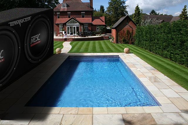 MTX Dream - Swomming Pool Shade Wall - Subwoofer